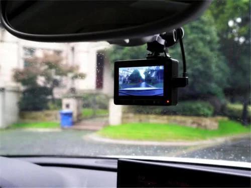 交警推荐行车记录仪,怎样装行车记录仪不违章
