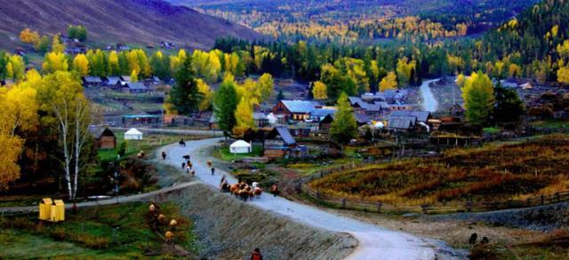 """中国""""最美""""的八大小镇之一,被称西北第一村,门票只要15元"""