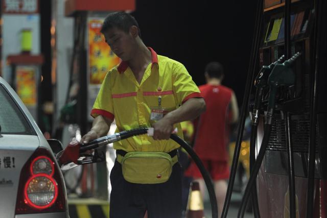95是乙醇汽油吗,乙醇汽油和普通汽油