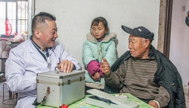 """高血压逐渐年轻化?不止与盐有关,3种""""家常菜"""",请尽早拉黑"""