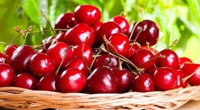 常吃以下几种水果,能有效的美白肌肤,值得分享给家人