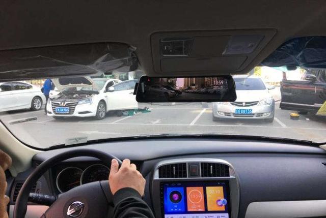 行车记录仪怎么改usb接口,行车记录仪是usb接口吗