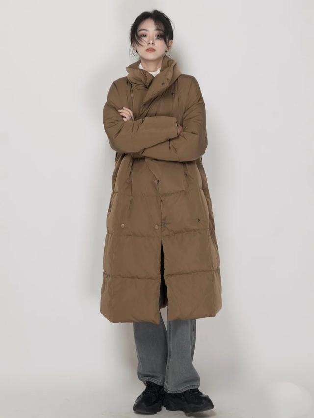 冬季羽绒服搭配技巧,掌握诀窍轻盈又舒适,将时尚进行到底