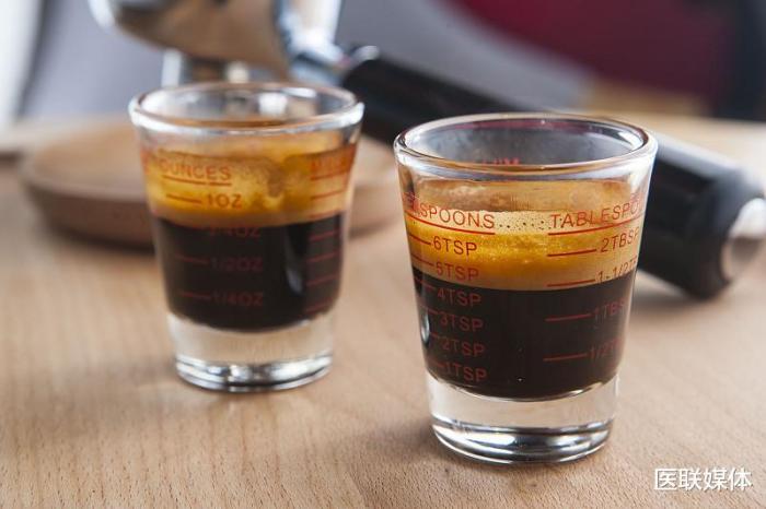 早上喝一杯咖啡,或有3大好处,但这种咖啡多喝无益