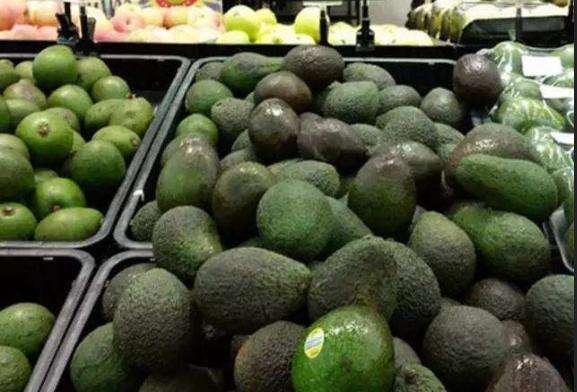 水果界最大的骗局,难吃还没营养,产量明明很大却卖几十元一颗