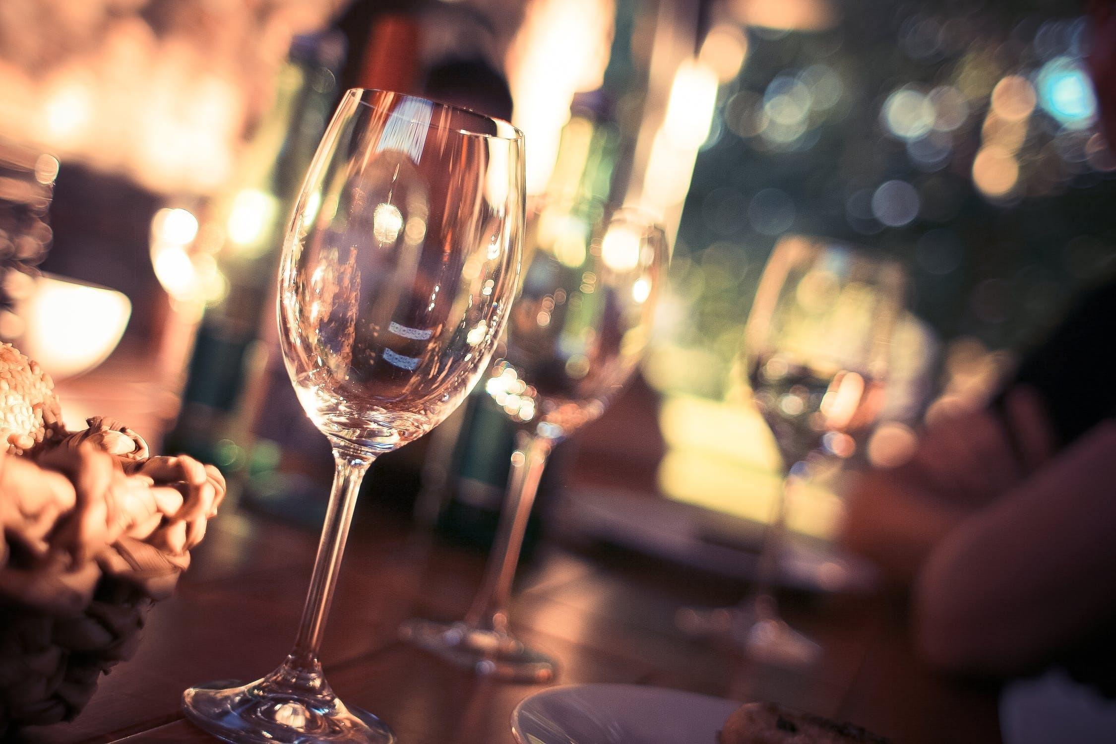 什么是急性酒精中毒?中毒后有哪些表现和解决办法?这几招或有用