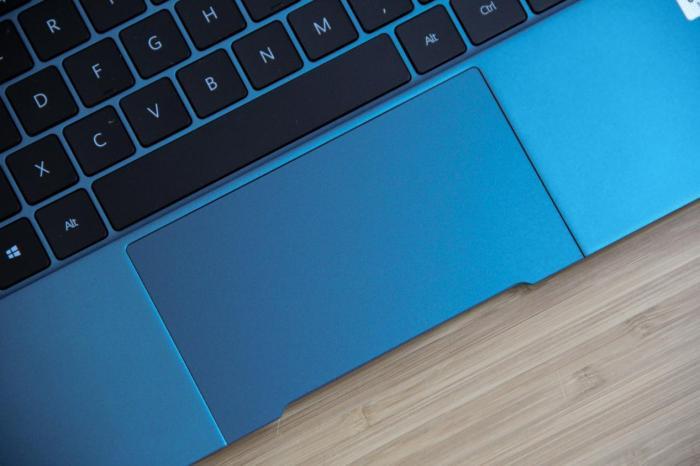 移动办公时尚商务轻薄标杆 华为MateBook X图赏