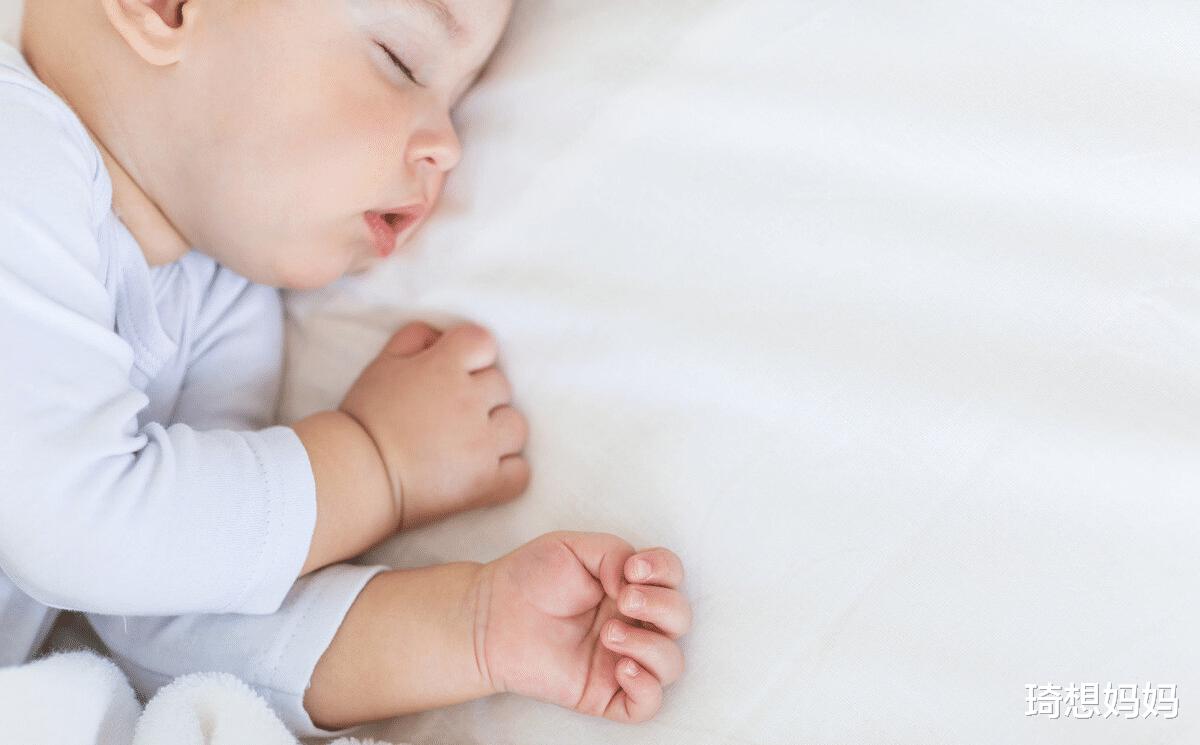 如何哄新生宝宝入睡?试试这几个方法,让宝宝睡好,妈妈轻松点