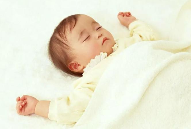 给宝宝添加食物时,应该遵循什么原则,各位家长知道吗