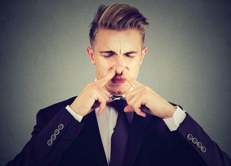 为什么有人鼻毛长得很快,有人长得很慢?哪种情况身体最健康?