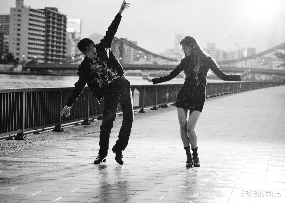 林志玲结婚2周年秀恩爱,携日本丈夫雨中奔跑好浪漫,两人太般配