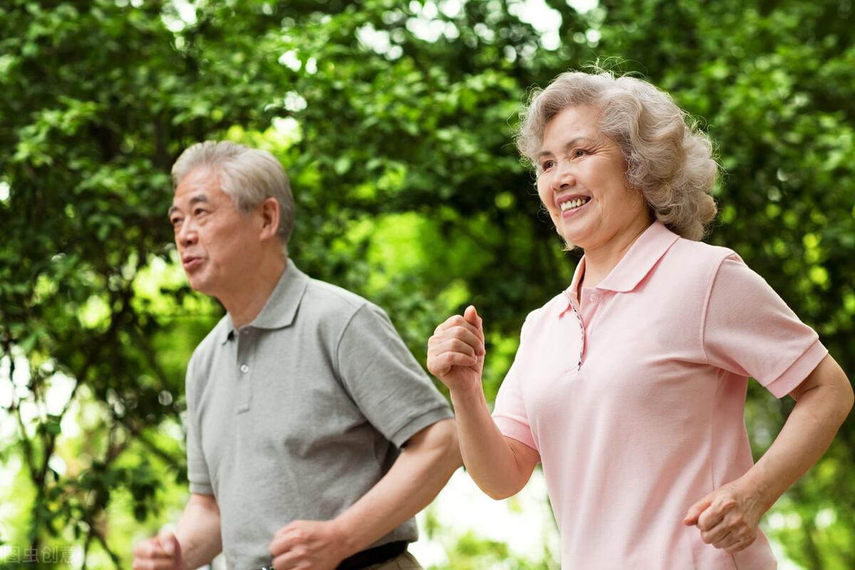 跑步可以降血脂吗?医生:坚持3点,或比运动有效,血脂慢慢降下来