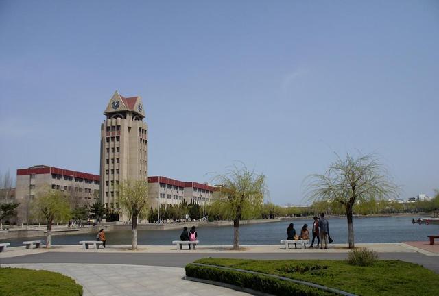 青岛大学和烟台大学哪个更好一些?