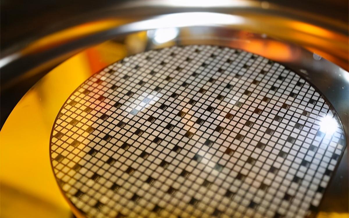 中国最大芯片基地诞生,700家企业落地生根,解决芯片制造全流程
