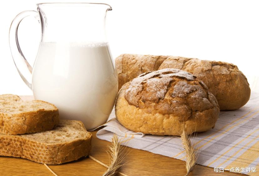 牛奶什么时候喝最好?女性经常喝牛奶有哪些好处?医生告诉你答案