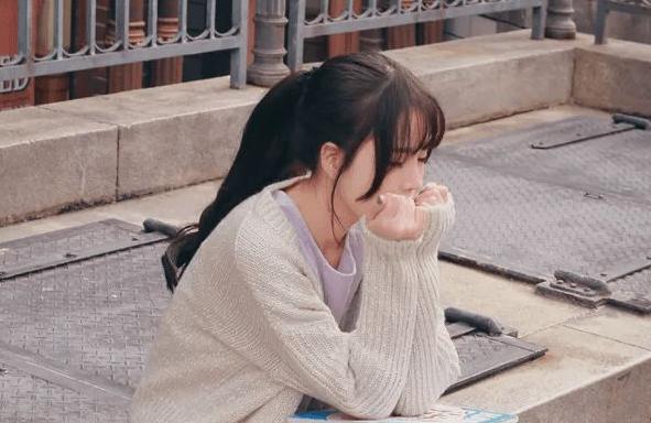 为啥女大学生怀孕现象越来越多?学姐含泪说出真相,心酸却又现实