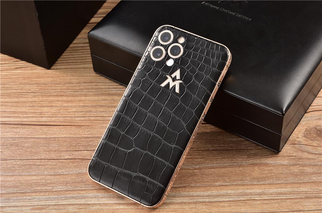 iPhone 12鳄鱼皮定制版开箱,这机身质感,普通用户看了干瞪眼!