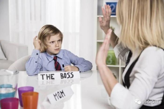 当孩子叛逆、爱顶嘴时,聪明的父母应该这么做
