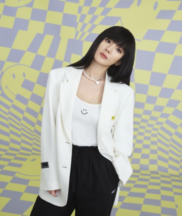 杨幂的最新大片曝光,她平日也挑战了许多不一样的风格