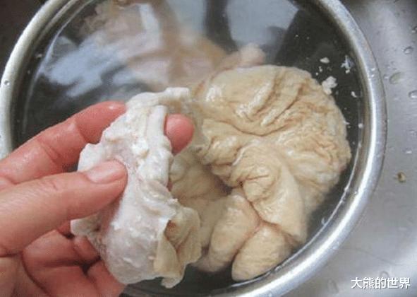 洗猪大肠怎么做才干净?别只用水洗,牢记正确方法,大肠不臭不腥
