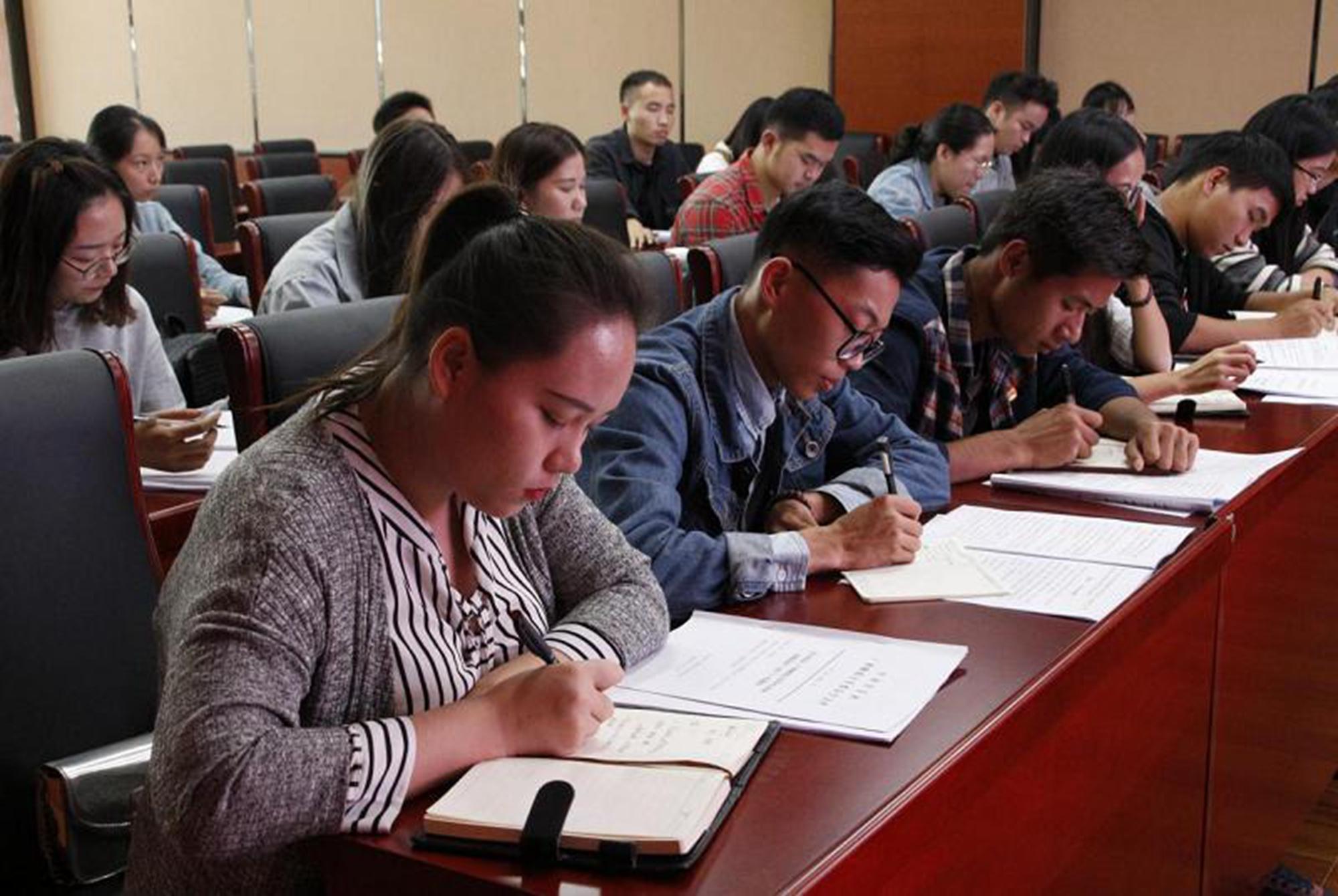 """研究生考试要取消复试?众人议论纷纷,支持的考生""""出身""""不高?"""