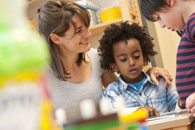 """1-6岁,幼儿启蒙教育要""""玩学兼顾"""",家长务必""""系统性安排"""""""