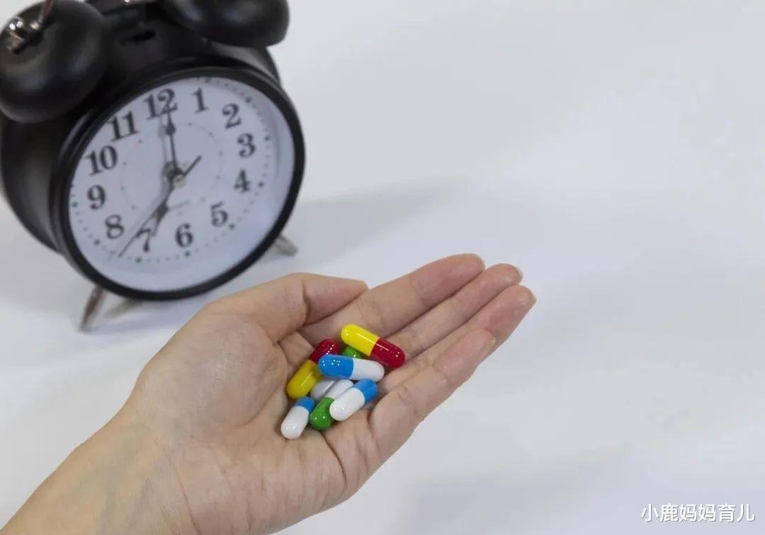家中常备药能否放入冰箱保存?什么时候吃药比较科学?