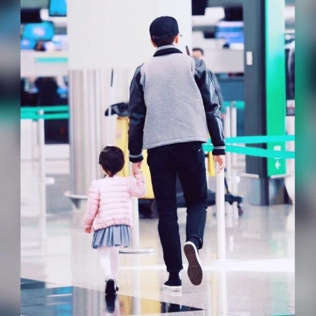 杨幂女儿小糯米迎7周岁生日,离婚后母女俩不同框,和爸爸更亲近