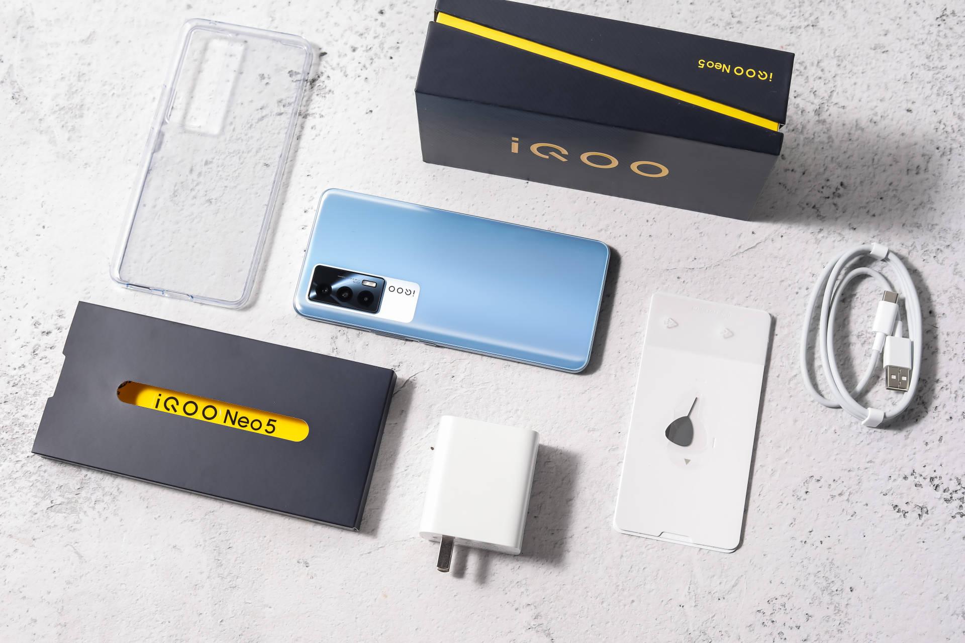 画面显示效果大幅升级?iQOO Neo5开箱抢鲜体验