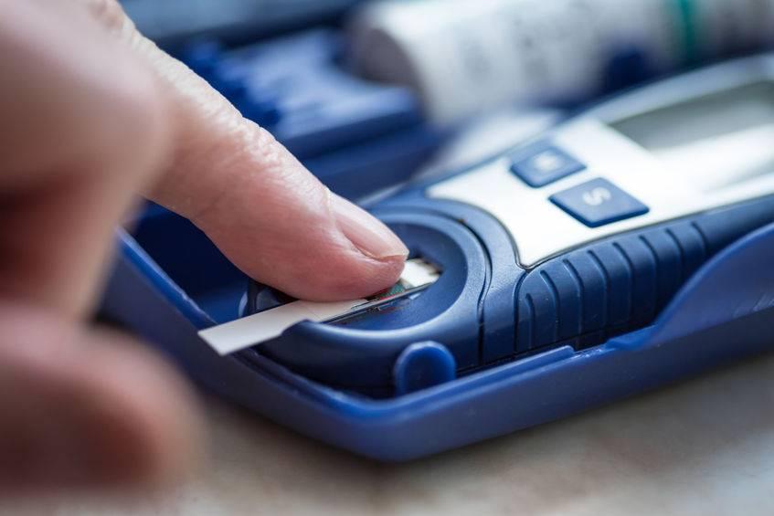 """血糖多少算异常?提醒:别超过这个范围,晚上坚持""""两多两不要"""""""