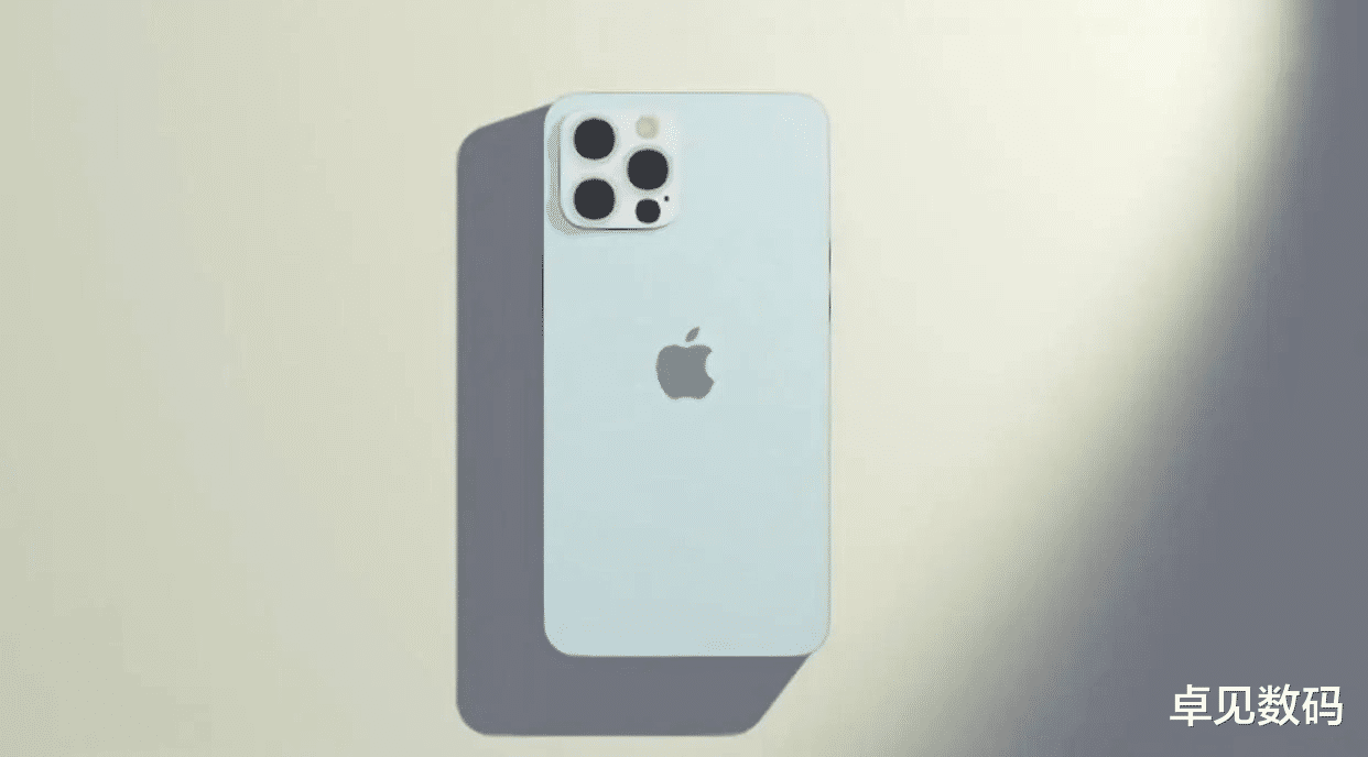 iPhone 13 Pro大突破,8G运存+4200mAh+超窄下巴,缺点变优点