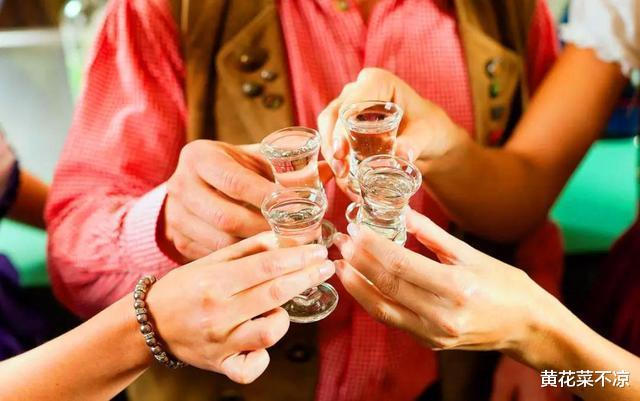 长期饮酒的人身体都还健康吗?一起来看看常喝酒的老李如何了