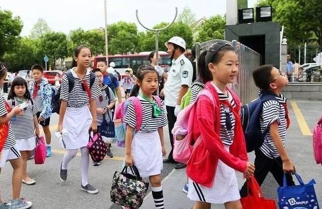 """幼儿园迎来""""新规定"""",孩子上学更放心了,家长表示终于等到你"""