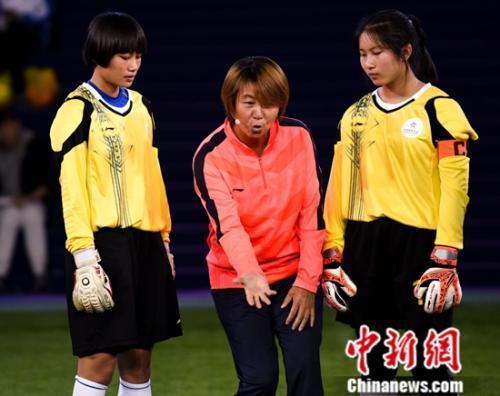 中国女足初中高红为《谁是球王》小名宿现场点学区淮阴区划分球员图片