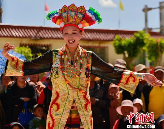 西藏以跨界体育项目推广旅游资源内蒙长距离赛马图片
