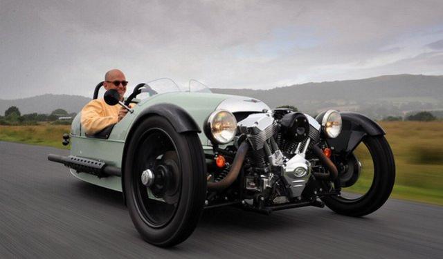 三轮车曾经是汽车起源时期的产物,关于它的种种,也许只存在于那些
