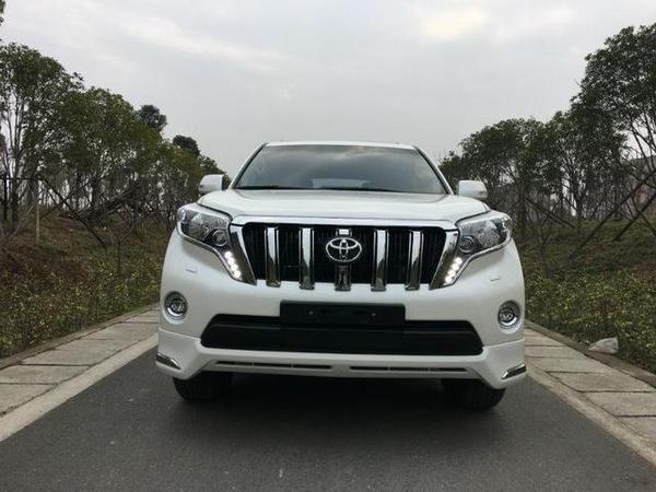 2017款中东版丰田霸道2700天津提车价35万 进口普拉多