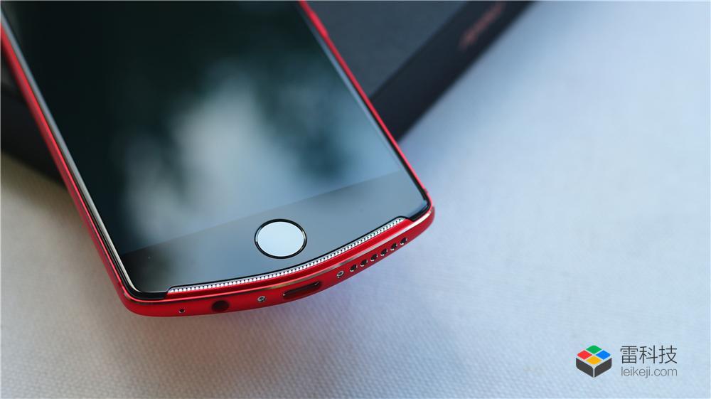 美图T8s手机图赏 烈焰红唇, 一款美艳动人的自拍神器