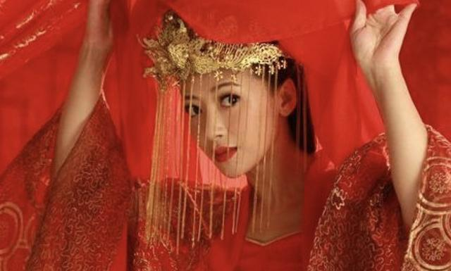 """而为了验证未出嫁女子是否真的是处女,""""守宫砂""""便应运而生."""