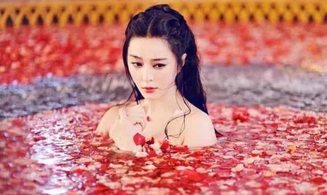 饰演古代美女野外沐浴的女星, 柳岩最大胆, 赵丽颖简直辣眼睛!