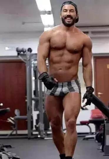 怎样刺激肌肉生长?大分量练习行动加快肌肉增进延缓朽迈!-追梦健身网