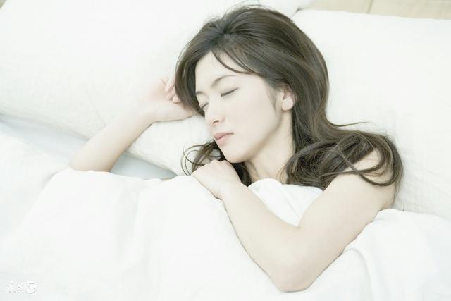 头疼、颈椎、失眠, 简单地这样做可以大大缓解症状, 安心入睡