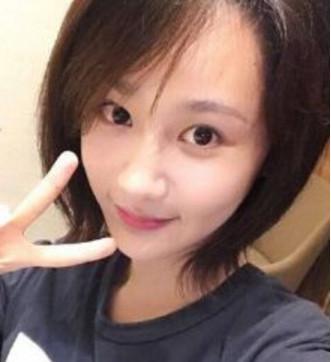 杨紫一大早晒自己素颜, 她拍照有个自己的爱好!