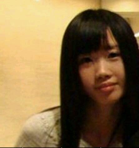 李连杰和黄秋燕生的女儿, 跟利智生的女儿, 哪个更漂亮