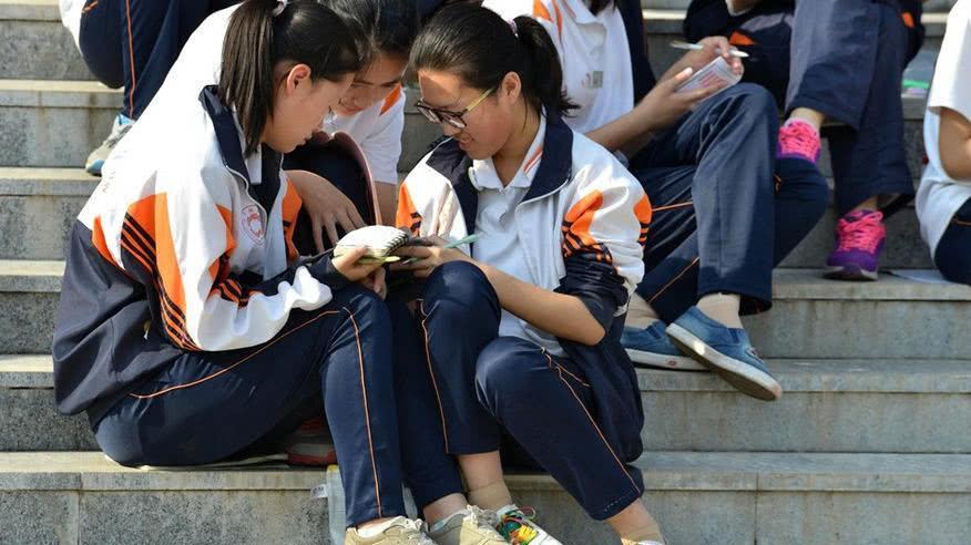 哪里的高考最难? 在这3个省参加高考犹如噩梦, 考试难录取更难!