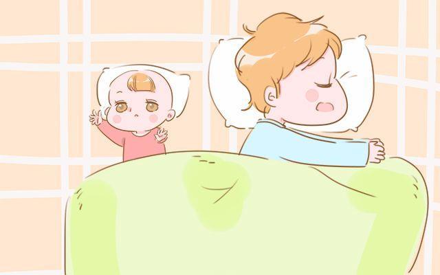想让宝宝准时睡觉, 妈妈就尽量避免睡前做这几件事, 别大意