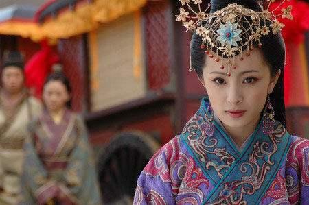 汉朝公主远嫁波斯却在途中怀孕, 解释为天神之子后干脆生子建国