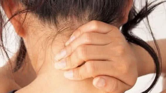 """肿瘤专家: """"脖子""""3种迹象一出, 不论男女, 8成癌症已""""待命"""""""