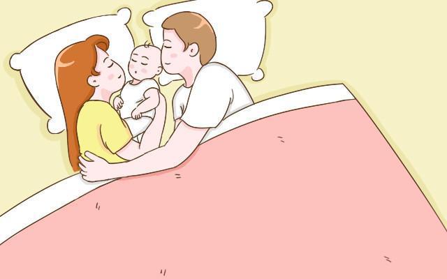宝宝和不同的人睡觉, 对性格会有不同的影响, 你家孩子常和谁睡