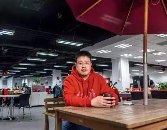 每天工作6小时,送每个员工百万豪车,9亿中国人都在用他的产品!